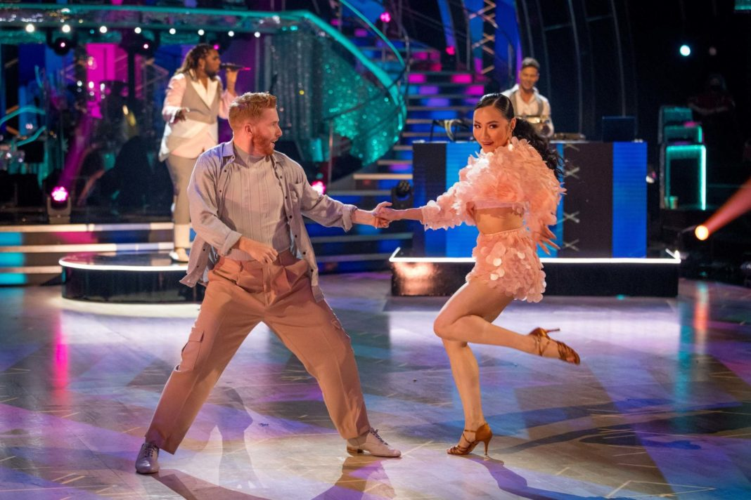 strictly-come-dancing-fans-bewildered-by-ironic-'everybody's-free'-routine-as-new-series-gets-under-way