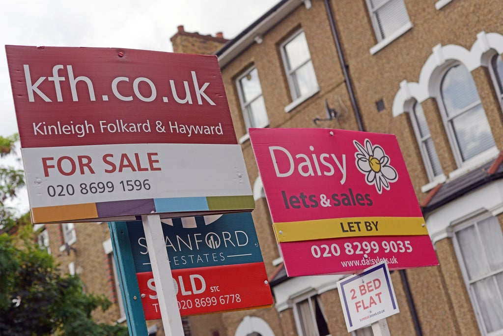 autumn-property-market-forecast:-shortage-of-homes-for-sale-to-prevent-price-falls-after-stamp-duty-holiday-rush