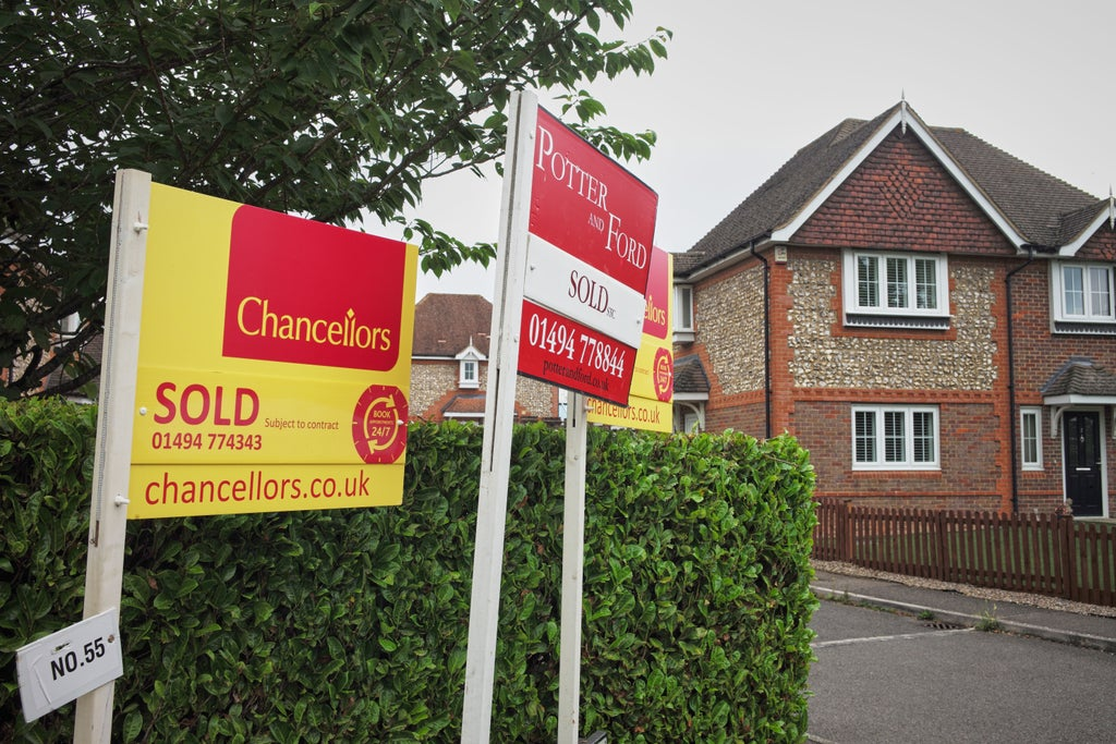 biggest-monthly-fall-in-house-prices-since-1992-as-stamp-duty-holiday-taper-calms-market