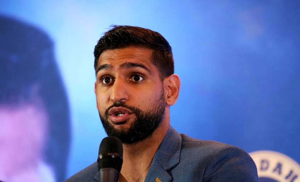 amir-khan-claims-us-police-escorted-him-off-flight-for-'no-reason'