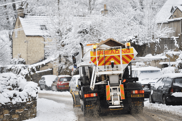 uk-is-set-for-'stormy-weather-with-winds-up-to-60mph,-night-time-frosts-and-snow'